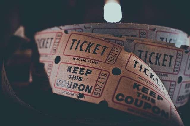 Mua vé bằng tiếng Trung