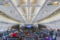 Học tiếng Trung giao tiếp chủ đề trên máy bay